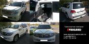 Toyota Land Cruiser 200 черного,  белого цвета для любых торжеств и мер