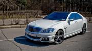 Элитный автомобиль  Mercedes-Benz S65 AMG W221 Long 2012 белого/черног