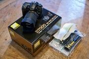 Nikon D700 Цифровые зеркальные фотокамеры