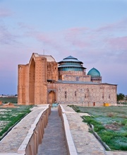 Туры Туркестан