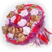 Букет из мягких игрушек в подарок к празднику