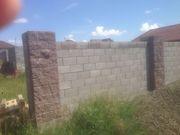продам участок 10 соток в поселке Косши с недостроенным домом