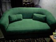 Маленький мягкий диван